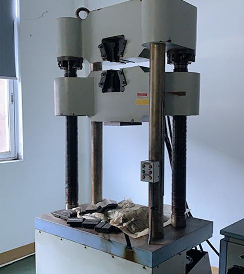 Hardness testing device